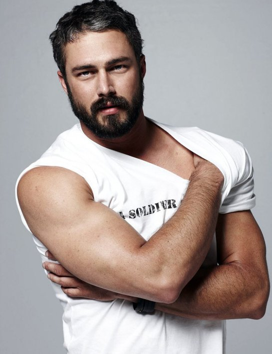 Taylor-Kinney-Going-Make-One-Superhot-Husband